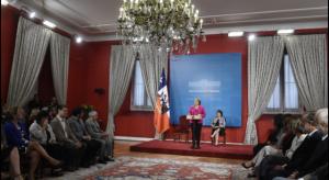 Bachelet-Delpiano-firma-educ-civica-640x350