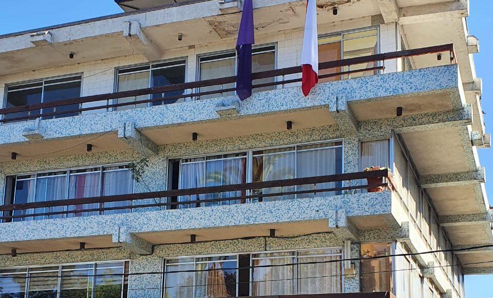 Municipio de Vallenar pionero en izar bandera púrpura