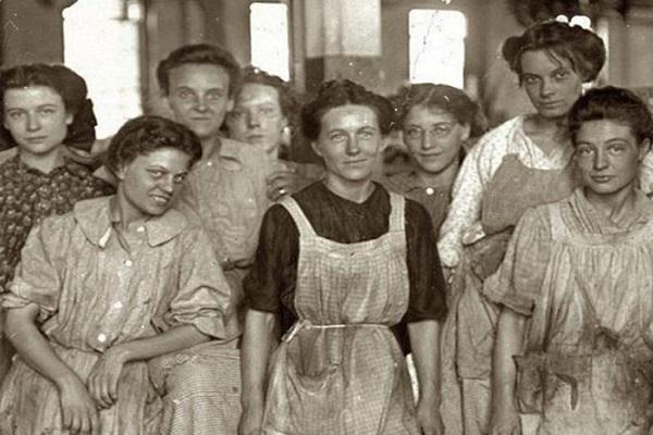 Día de la Mujer: Recuerdan principales hitos de la fecha e inequidades aún existentes